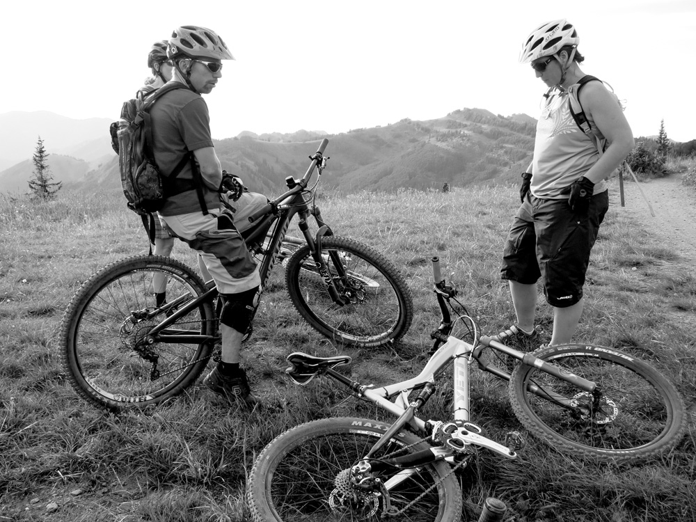AH_20130726_IMG_1827_crest_bikes